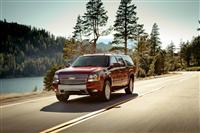 2013 Chevrolet Suburban image.