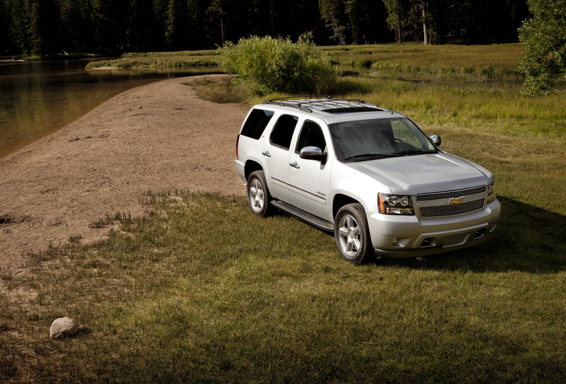 gm tahoe wiki chevrolet info blog price police authority pictures specs
