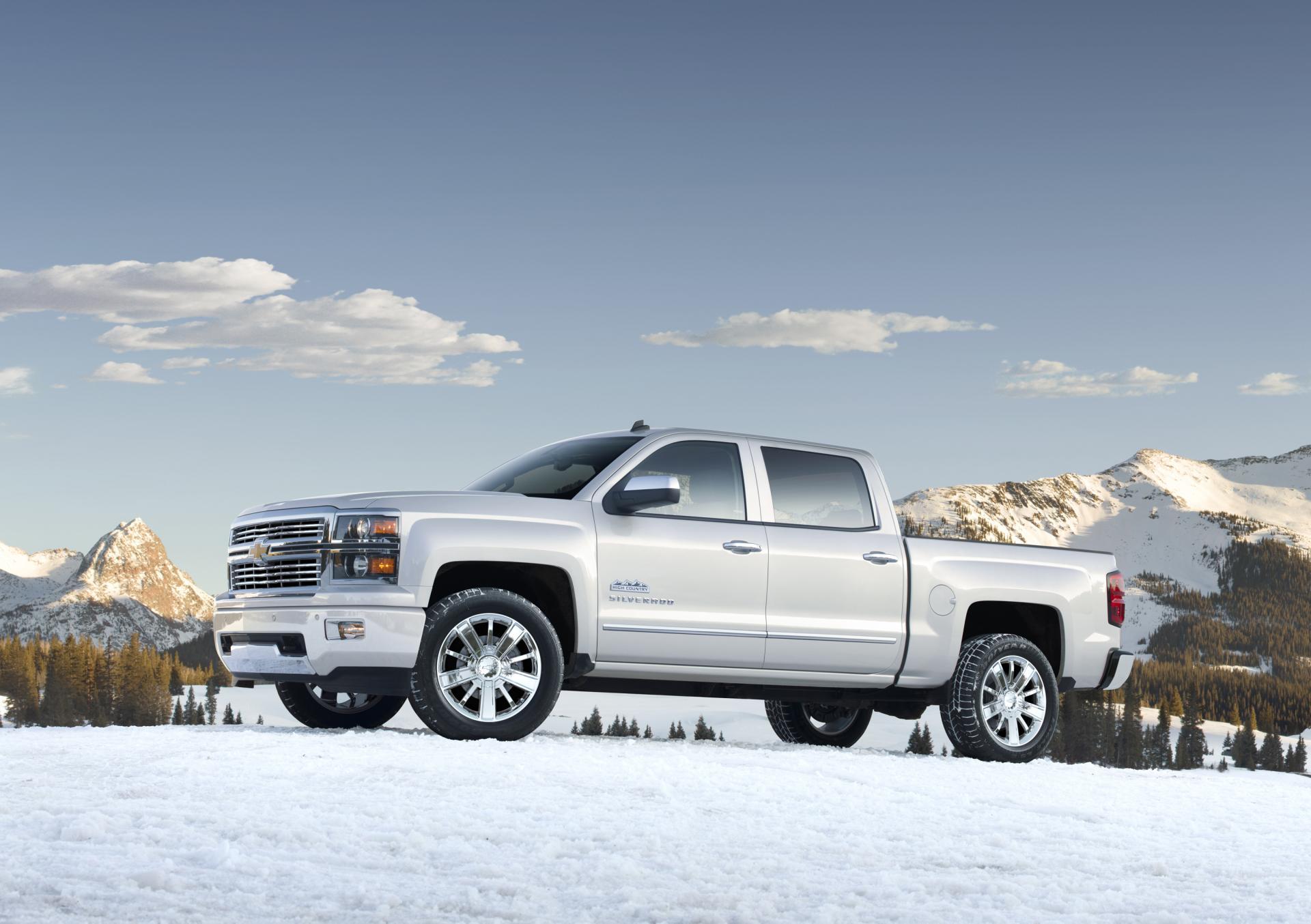 2013 Chevrolet Silverado High Country News and Information