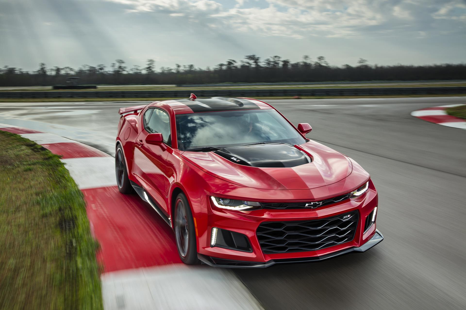 2017 Chevrolet Camaro ZL1 News and Information