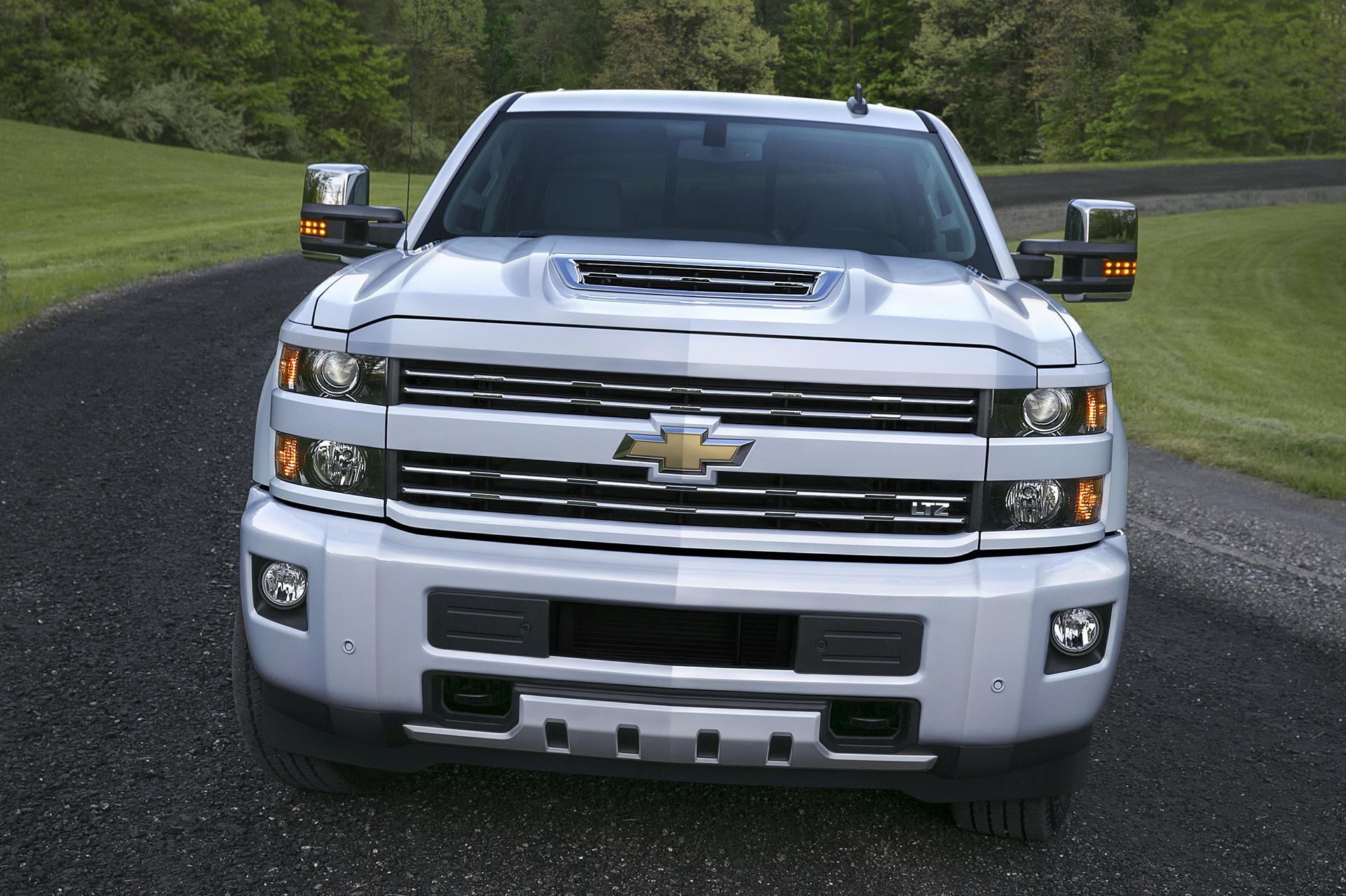 2017 chevrolet silverado news and information