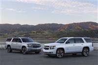 Popular 2019 Chevrolet Suburban RST Wallpaper