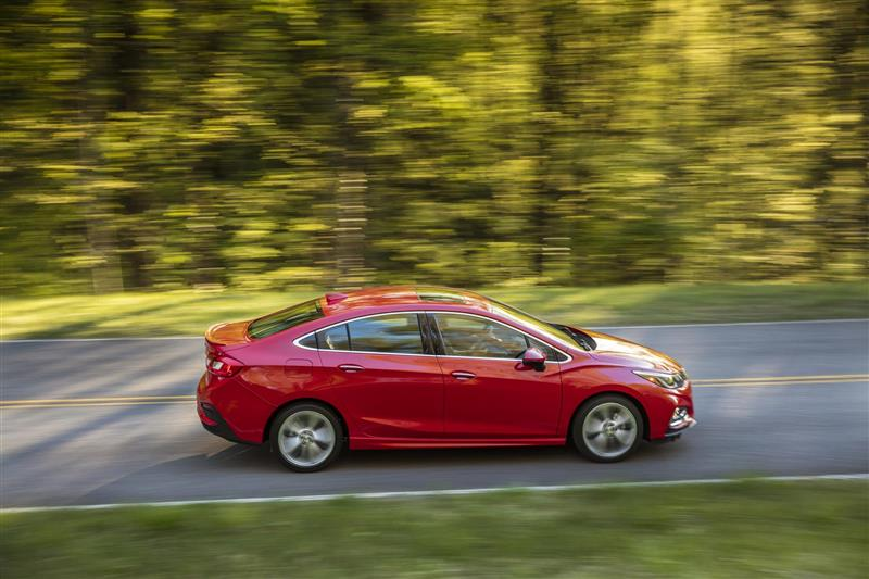 Chevrolet Cruze pictures and wallpaper