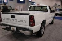 2004 Chevrolet Silverado image.