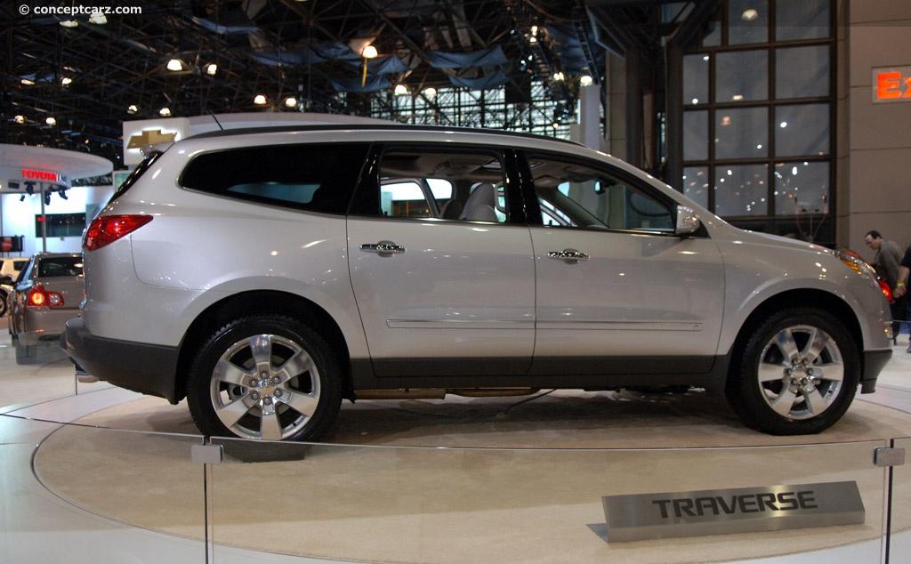 2008 Chevrolet Traverse Image. Photo 1 of 32