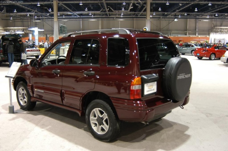 2003 chevrolet tracker history pictures value auction sales rh conceptcarz com 2000 chevrolet tracker owners manual chevrolet tracker 2003 owners manual