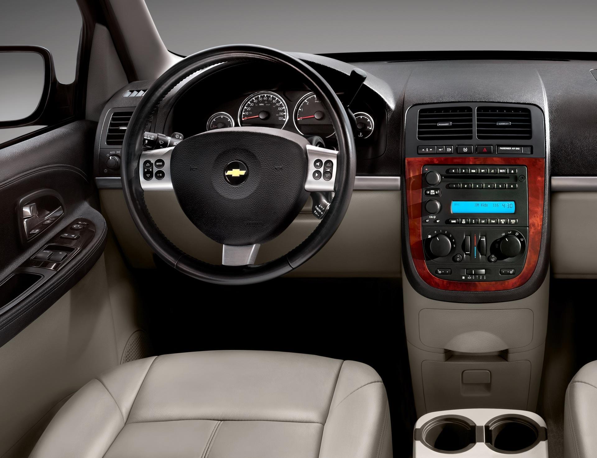 2008 Chevrolet Uplander Image. Photo 2 of 6