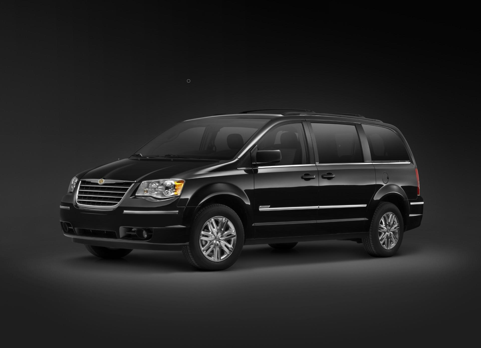 Town And Country Toyota >> 2010 Chrysler Town & Country Walter P. Chrysler Signature ...