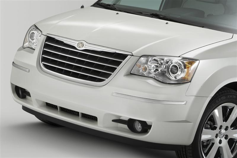 2013 Chrysler Town & Country thumbnail image