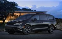 Popular 2019 Chrysler Pacifica Hybrid Wallpaper