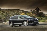 Popular 2020 Chrysler Pacifica Wallpaper