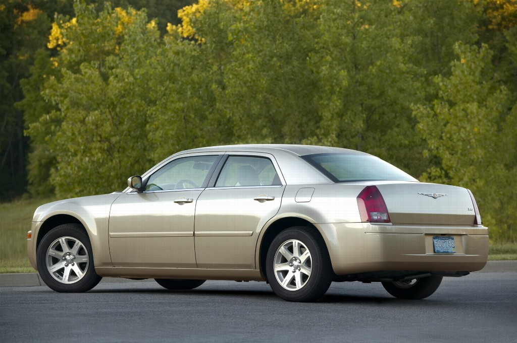 2007 chrysler 300 pictures history value research news - 2007 chrysler 300 custom interior ...