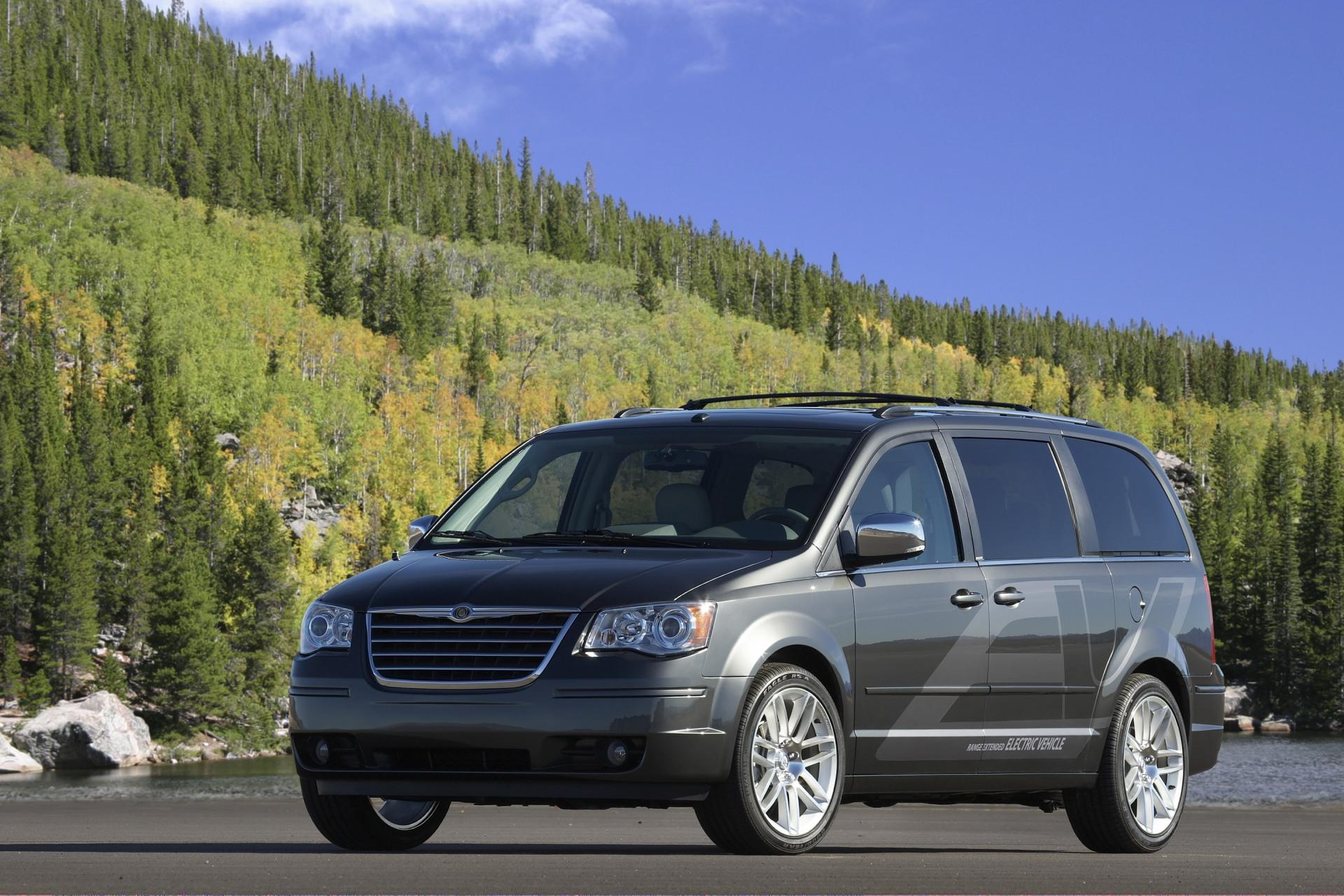 2009 Chrysler Town & Country EV News and Information