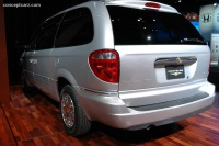 2006 Chrysler Town & Country image.