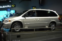 2003 Chrysler Town and Country LX image.