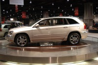 2005 Chrysler Pacifica image.