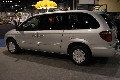 2004 Chrysler Town & Country pictures and wallpaper
