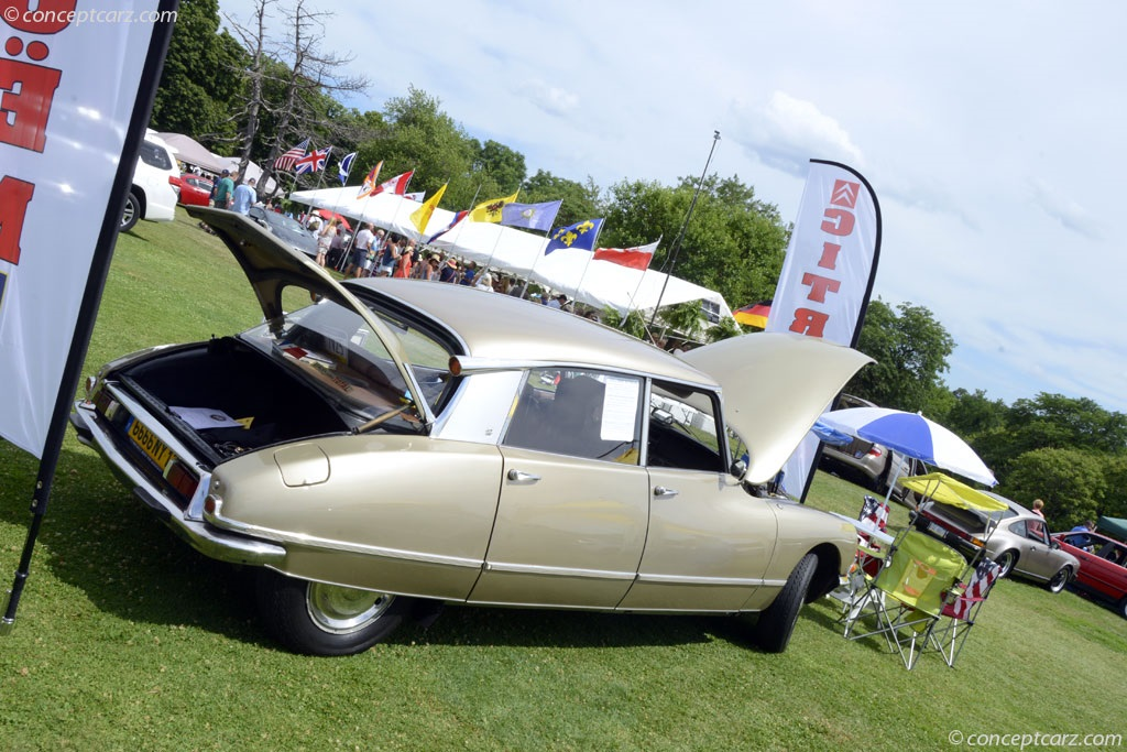 Citroen DS photo