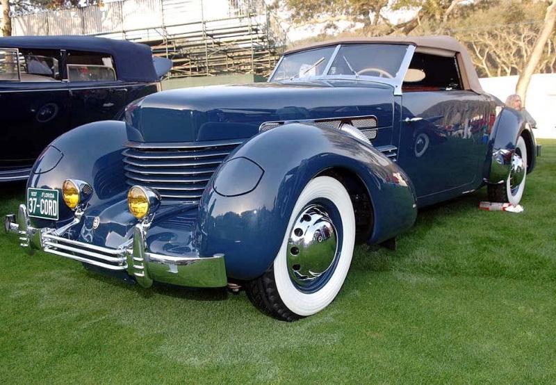 1937 Cord 812 Image