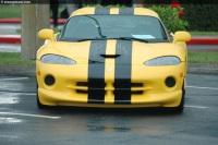 2001 Dodge Viper GTS image.