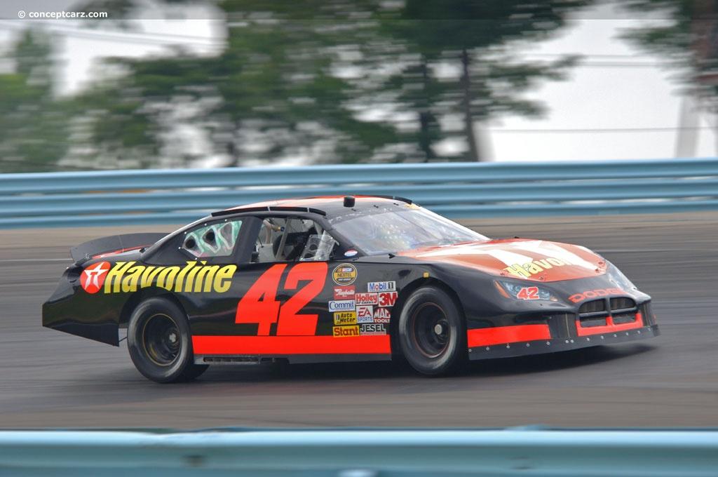 2005 Dodge Charger NASCAR Image