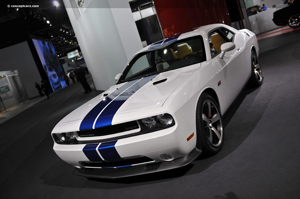 2011 dodge challenger srt8 392 inaugural edition image. Black Bedroom Furniture Sets. Home Design Ideas