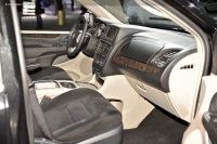 2011 Dodge Grand Caravan image.