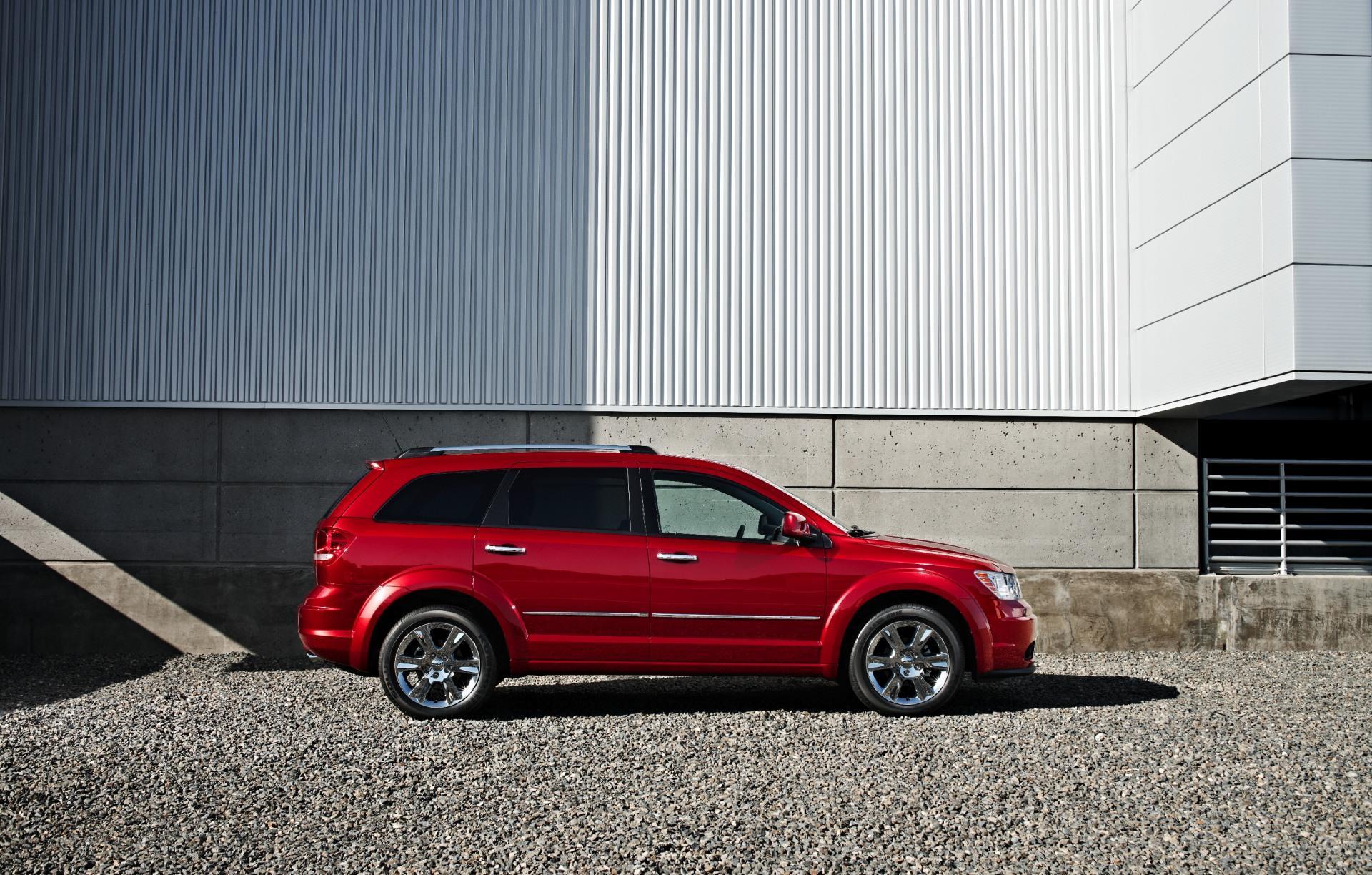 Dodge Journey Crossover on Dodge Caravan Overview