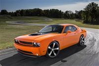 2014 Dodge Challenger RT Shaker image.