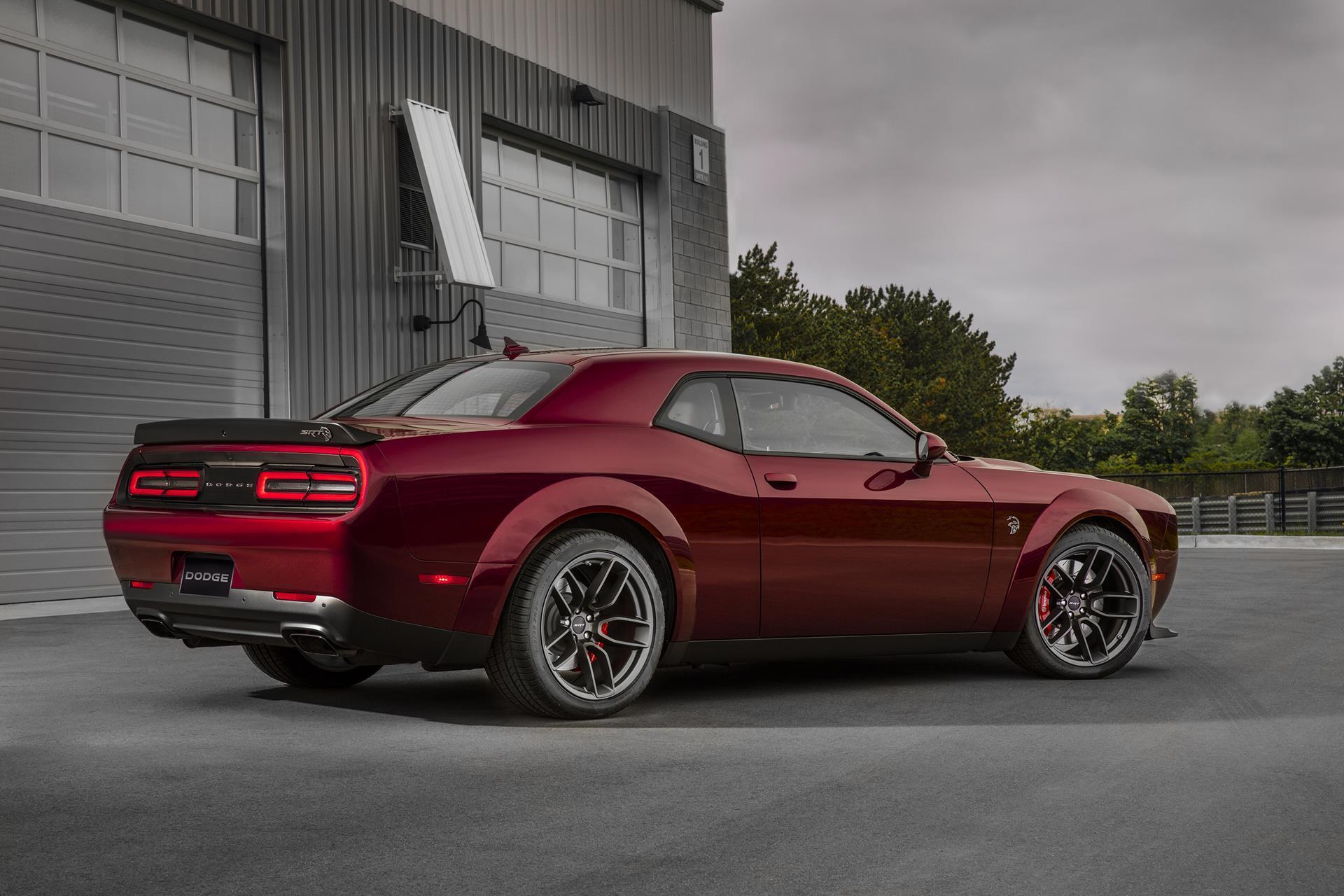 2017 Dodge Challenger Srt Hellcat Widebody News And Information