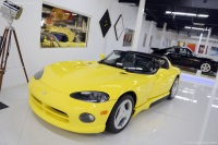 1995 Dodge Viper RT image.