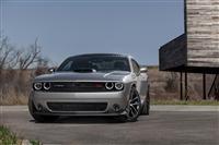 2015 Dodge Challenger RT Shaker image.