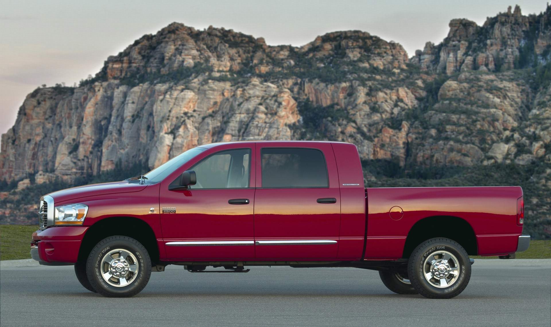 2007 Dodge Ram 2500 History Pictures Value Auction Sales Radio Upgrade Research And News