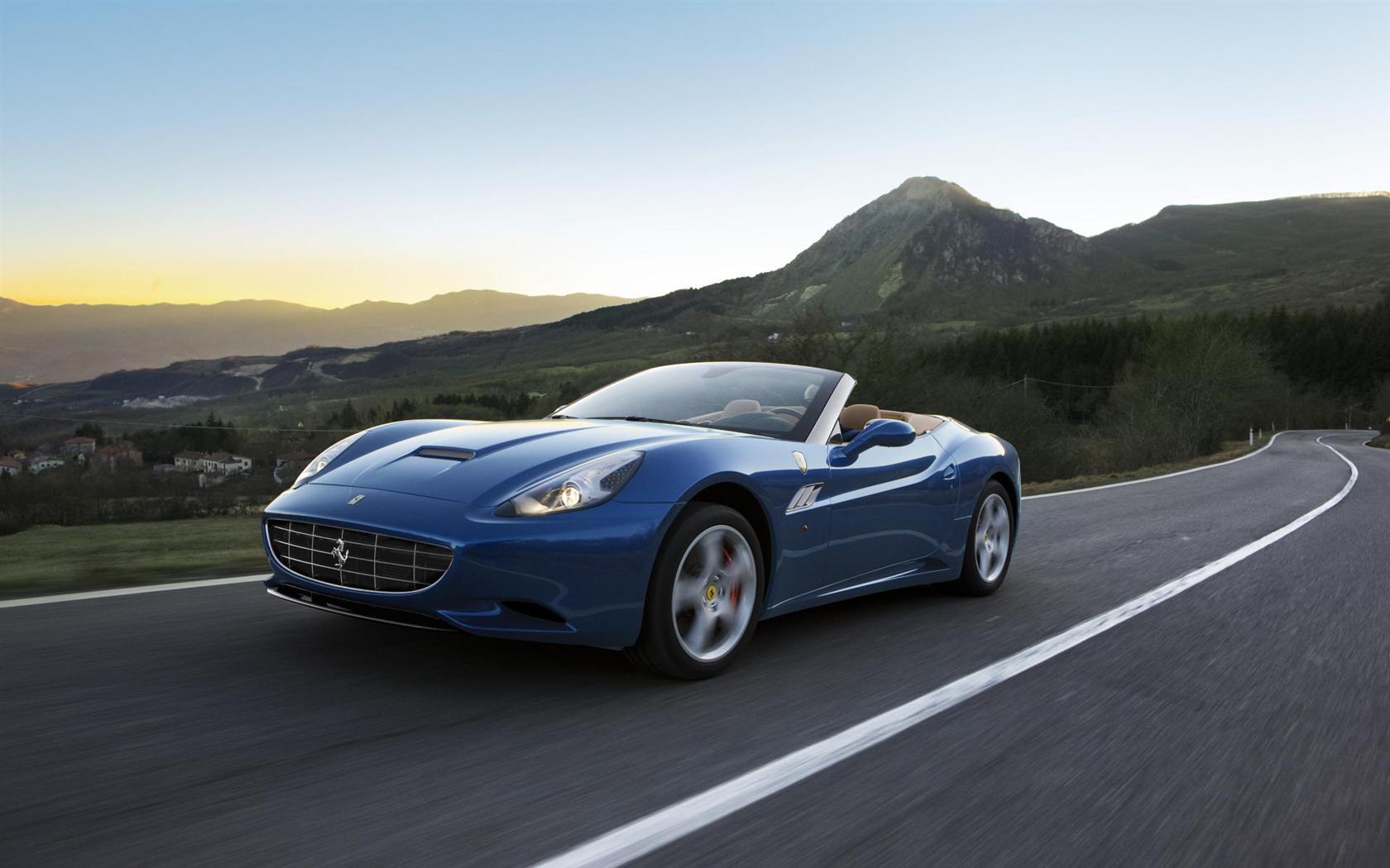 2013 Ferrari California Image. Photo 1 of 2