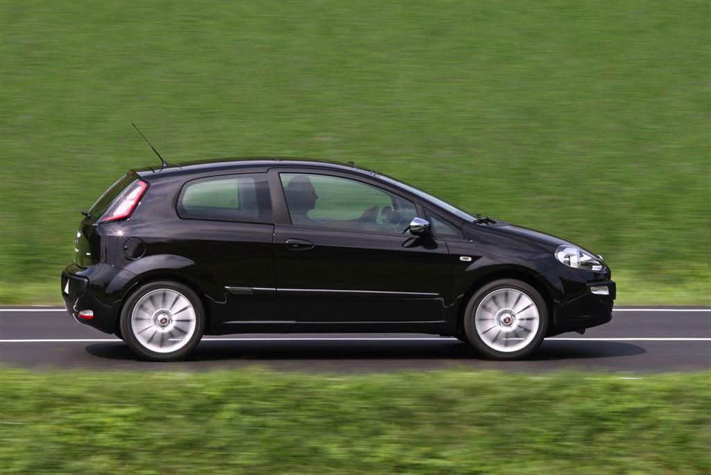 2010 fiat punto evo news and information. Black Bedroom Furniture Sets. Home Design Ideas