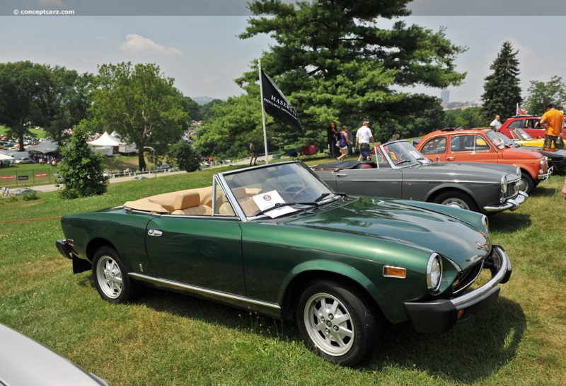 1975 Fiat 124 Image. Photo 8 of 14