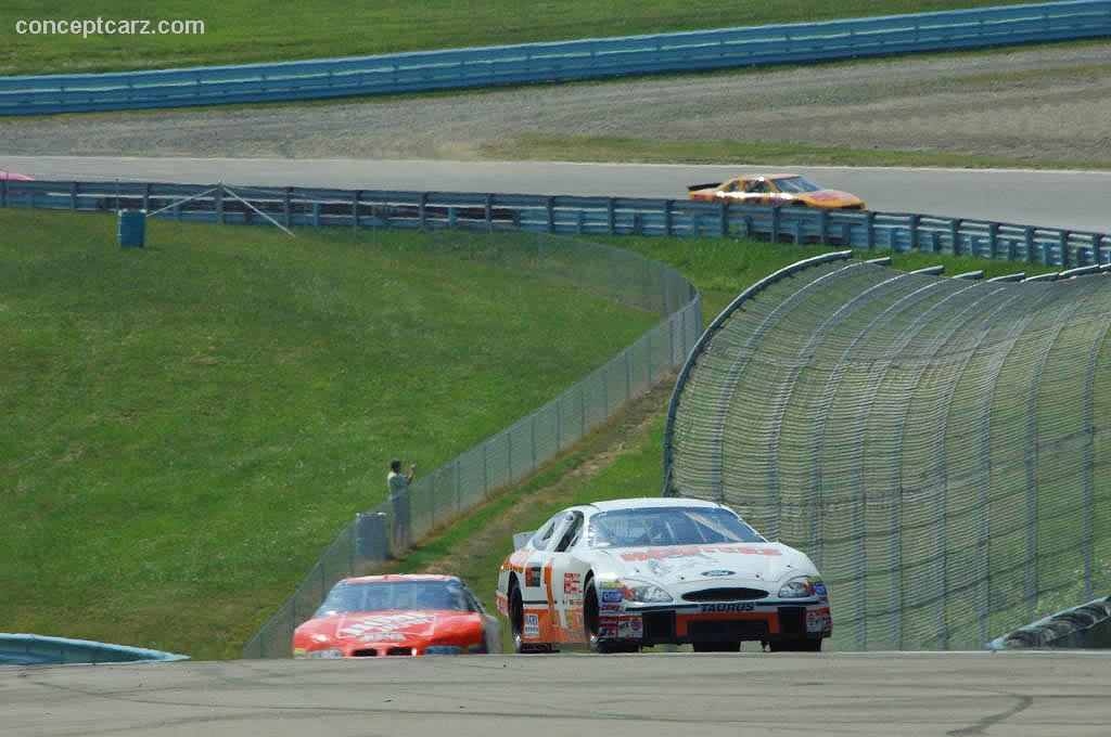 2002 Ford Taurus NASCAR