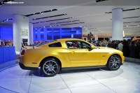 2011 Ford Mustang GT image.