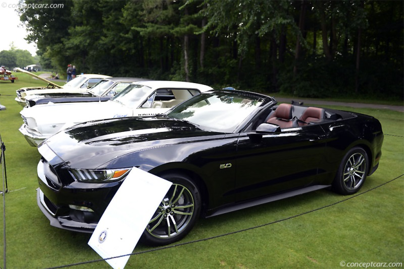 2015 ford mustang convertible news and information