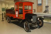 1925 Ford Model TT image.