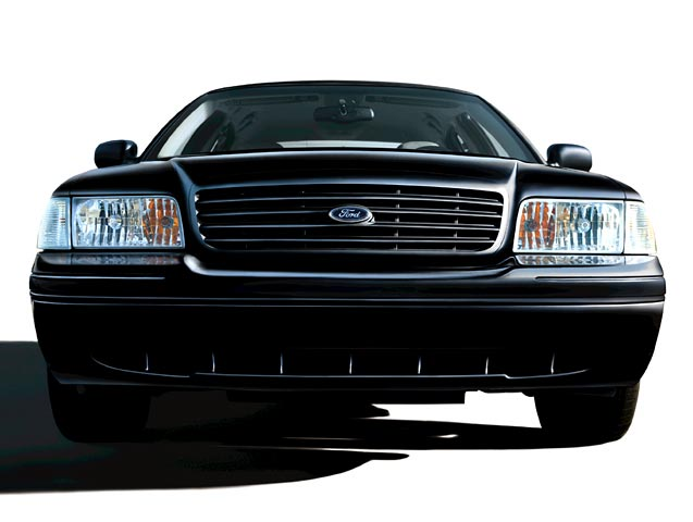 2005 Ford Crown Victoria thumbnail image