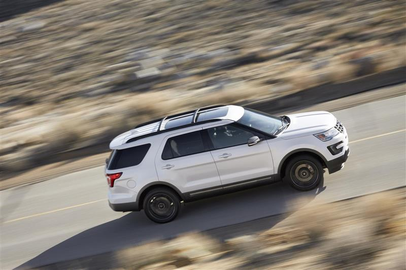 2017 Ford Explorer Xlt Sport Appearance Package Image Photo 9 Of 19