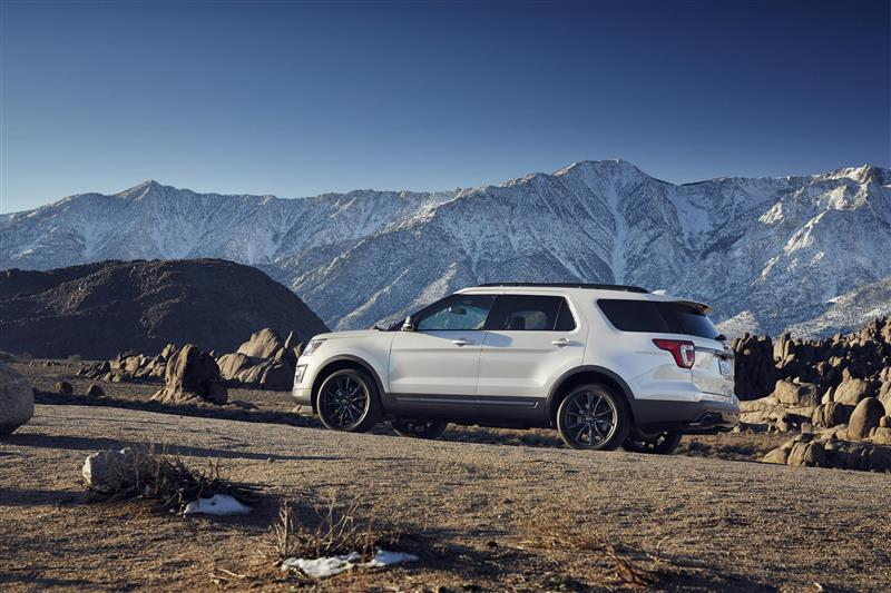 2017 Ford Explorer Xlt Sport Appearance Package Image Photo 7 Of 19