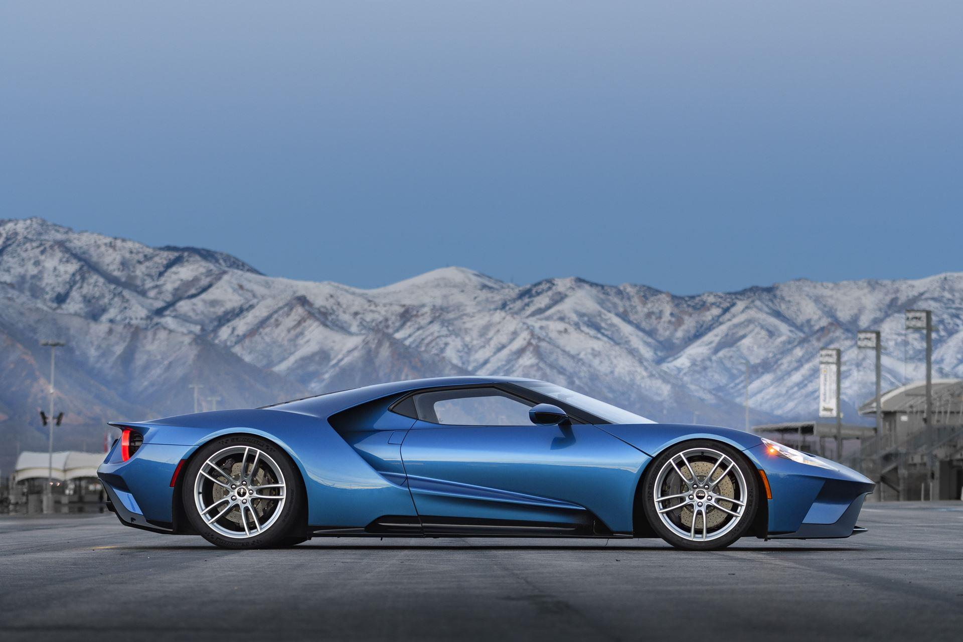 Ford GT photo
