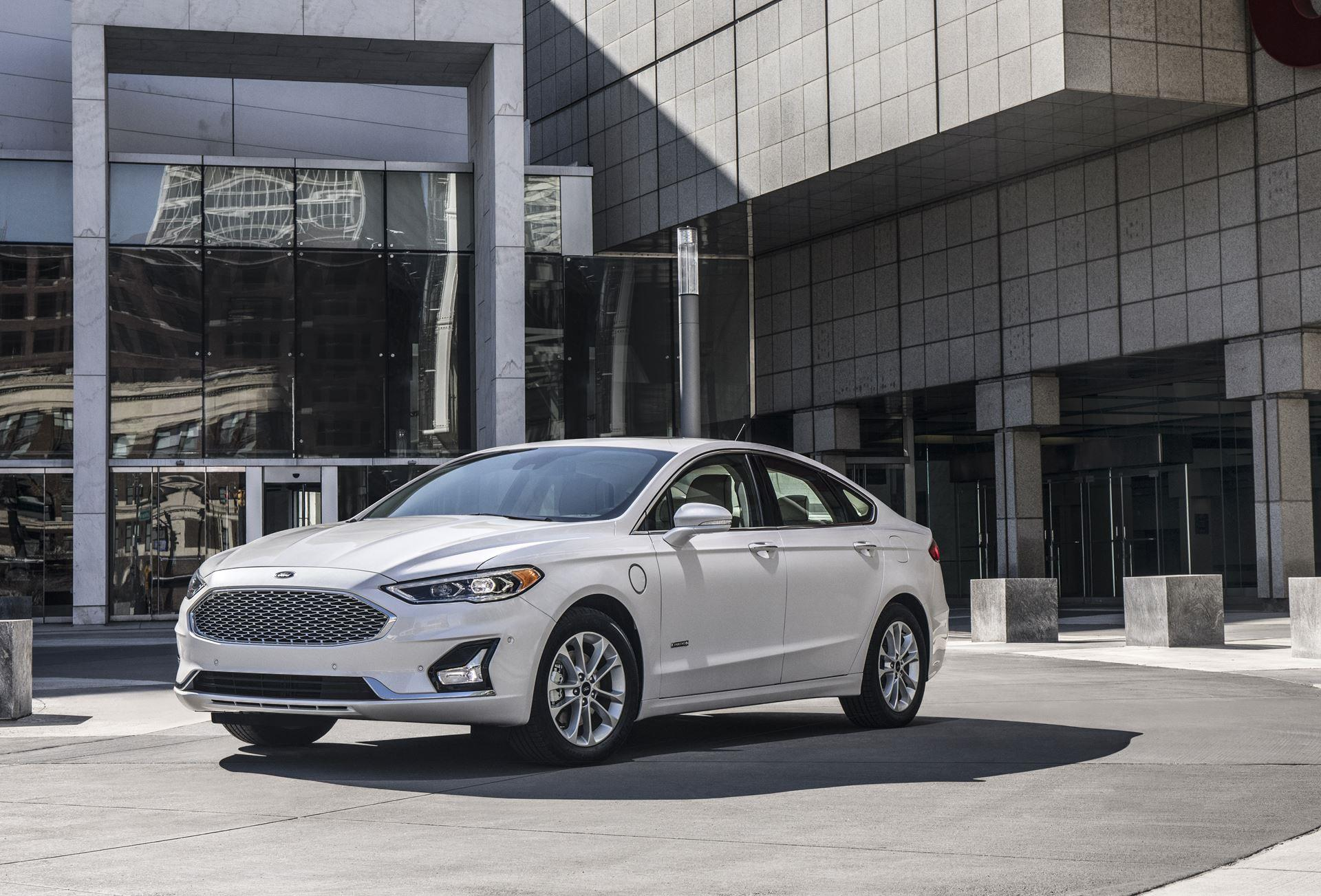 Ford Fusion photo