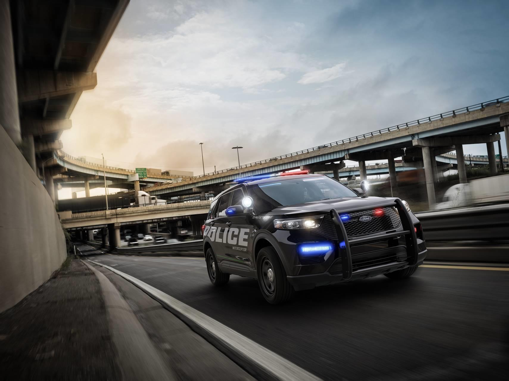 Ford Police Interceptor Utility photo