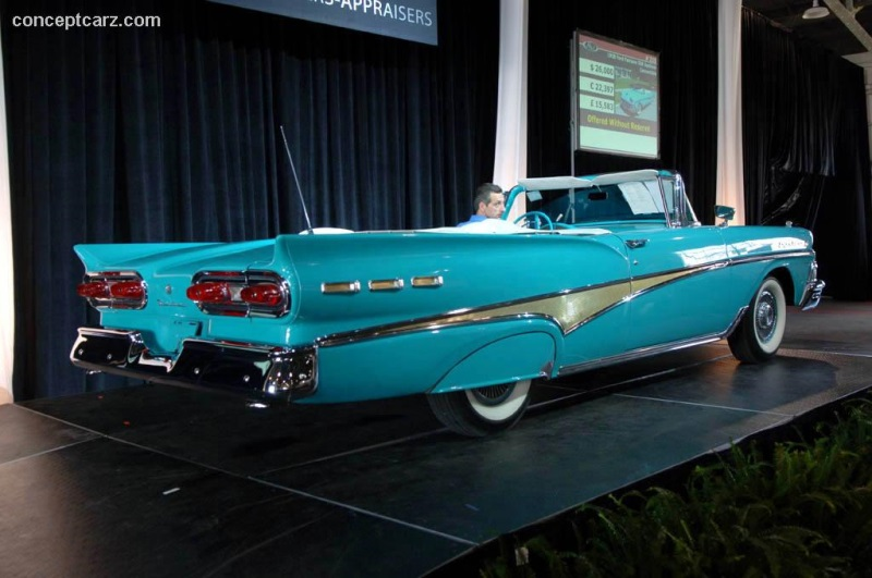 1958 Ford Fairlane 500 Sunliner Convertible