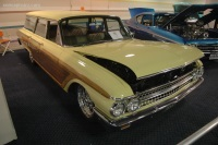 1961 Ford Station Wagon Country image.