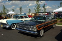 1965 Ford Country Squire image.