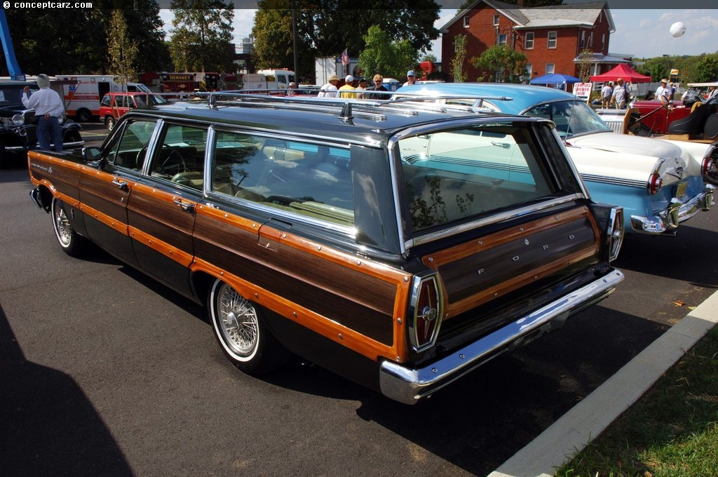 1965 Ford Country Squire Image. Photo 1 of 4